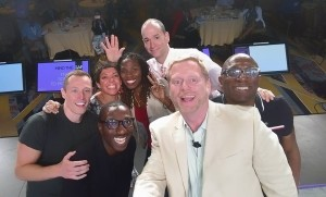 Social to Mobile selfie
